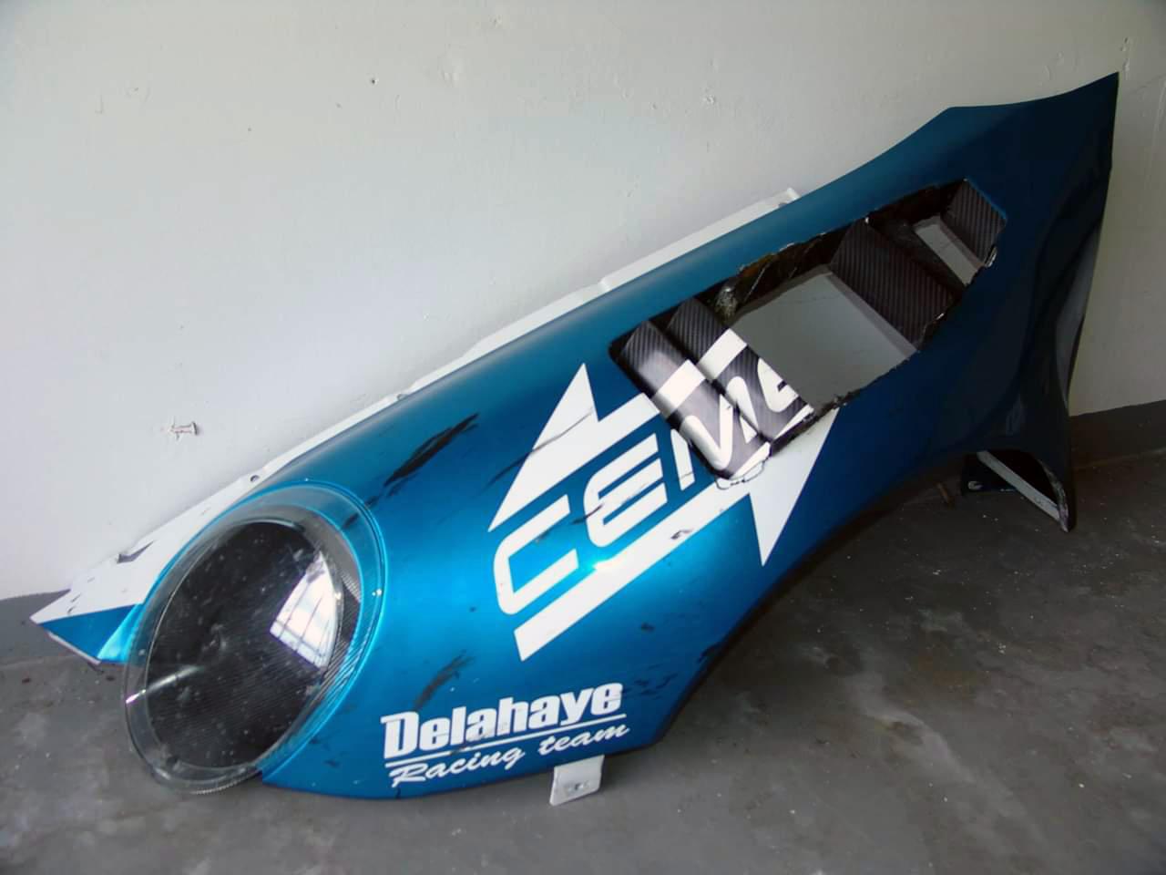 Réparation carbone Belgique Porsche 997 GT3 poly concept Composites aile avant (1)