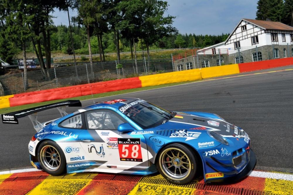 Réparation carbone Belgique Porsche 997 GT3 poly concept Composites aile avant (9)