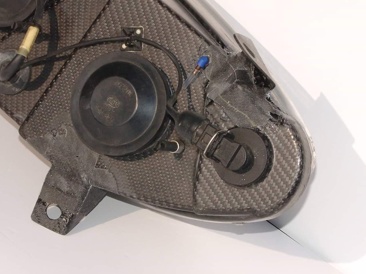 Reparation carbone Belgique Poly Concept Composites phare carbone Peugeot 307 wrc (6)