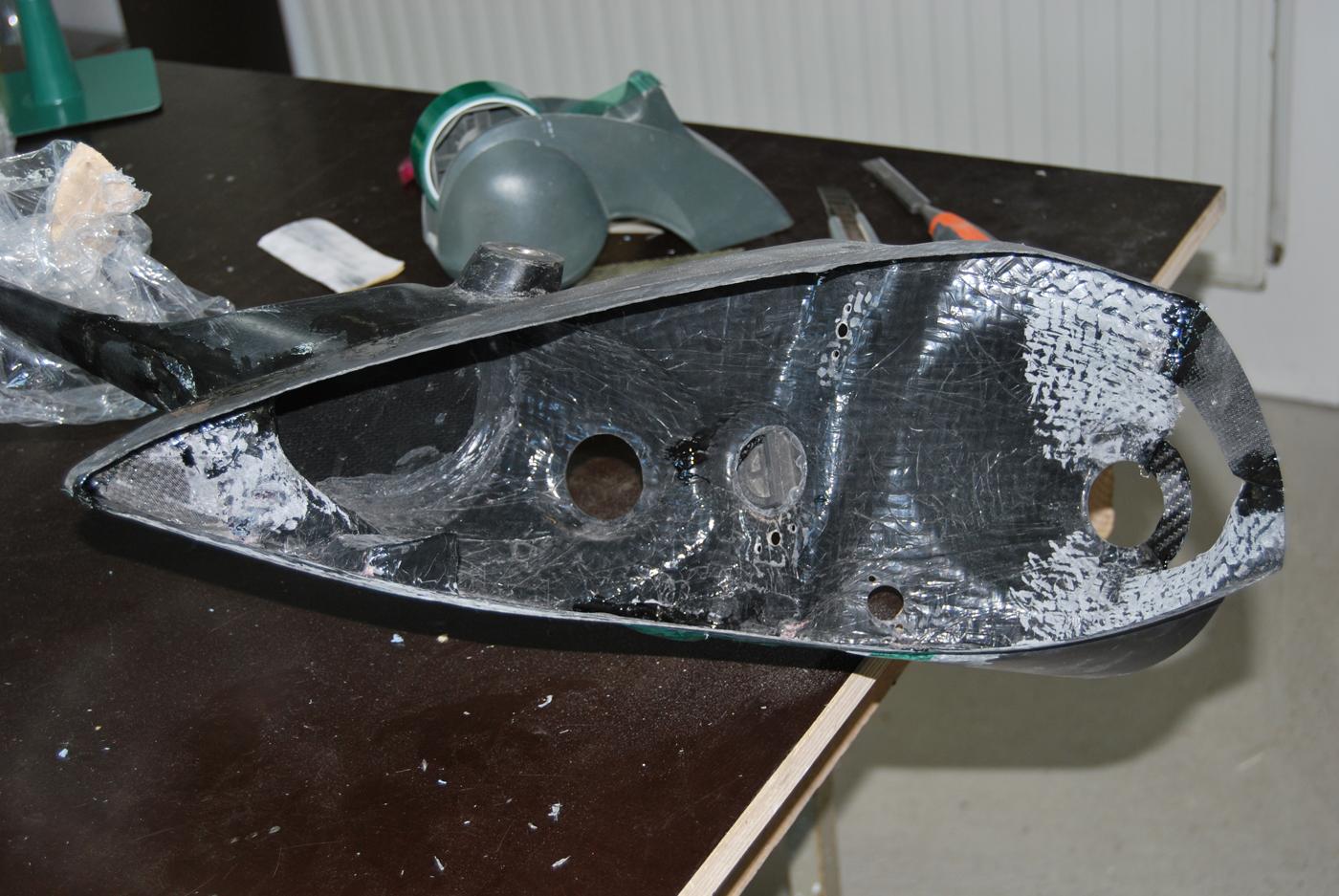 Reparation carbone Belgique automobile First wrc rampe de phares (3)