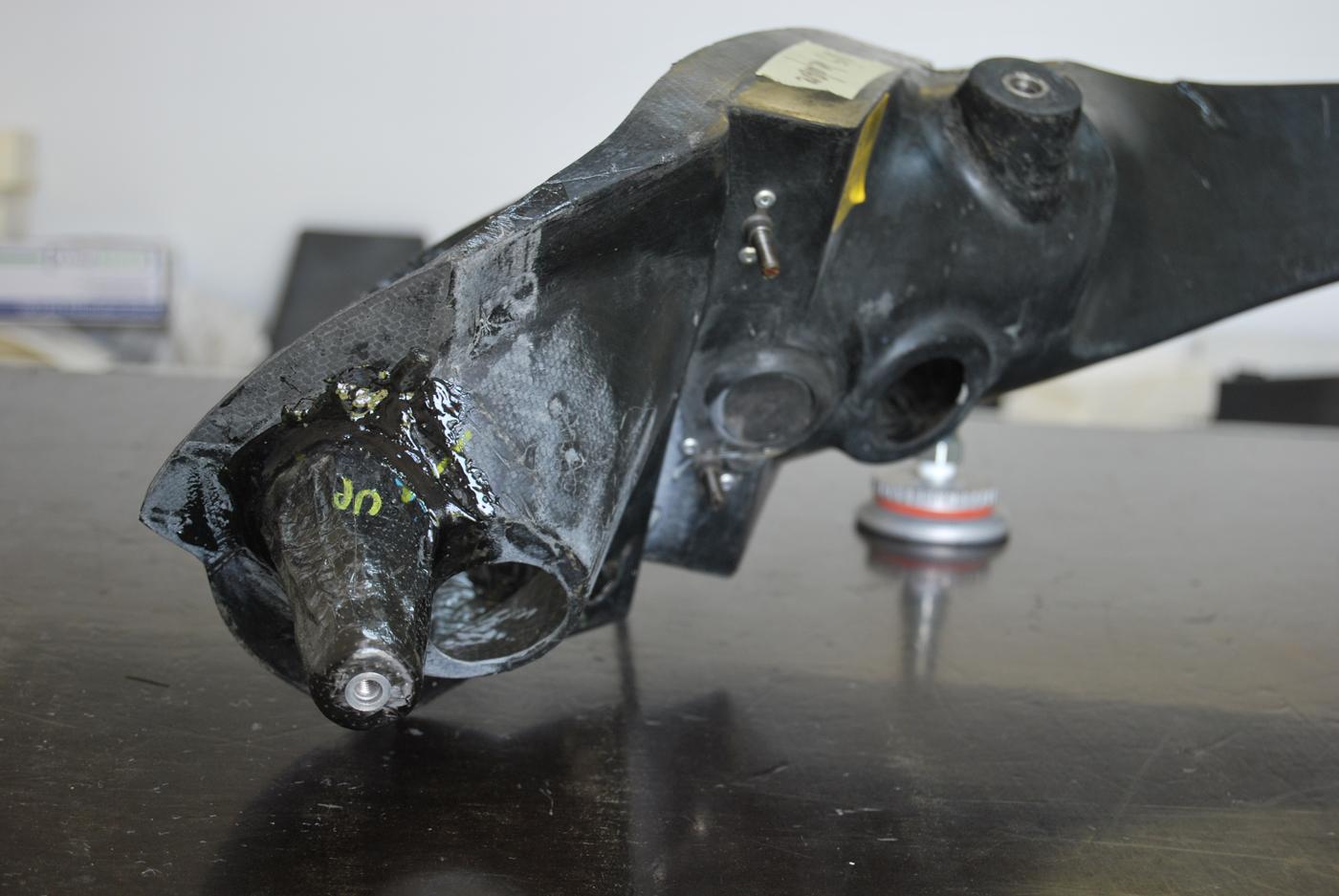 Reparation carbone Belgique automobile First wrc rampe de phares (7)