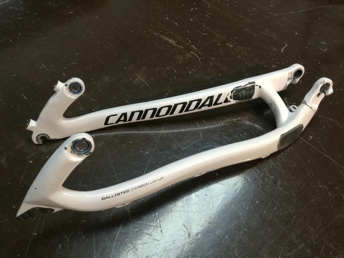 Reparation carbone belgique bras oscillant cassé cannondale Poly Concept Composites (9)